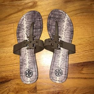 NWOT Tory Burch Moore Size 8
